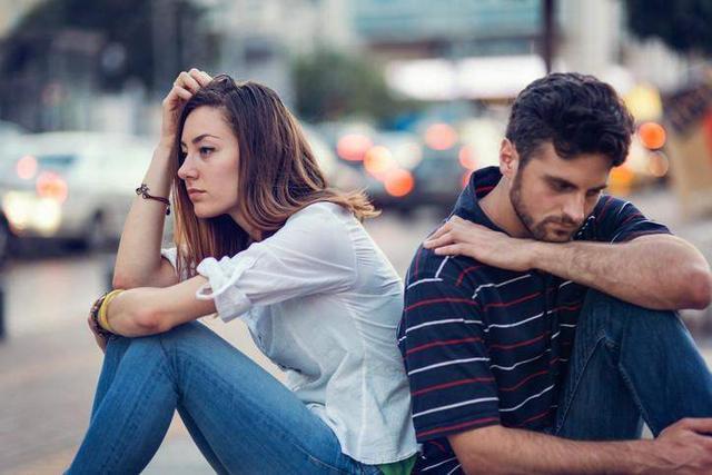 发现老公出轨怎么办_发现男友出轨_av妻子出轨老公发现