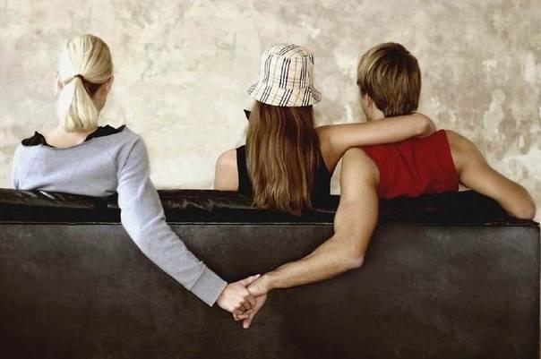 老公提出离婚该挽回吗_老公出轨我该怎么办_丈夫精神出轨该离婚吗