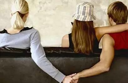 老婆出轨有证据可以告重婚吗_婚姻重婚出轨取证_出轨的婚姻
