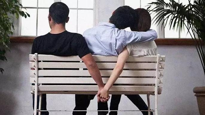 已婚男女同学出轨_已婚男女出轨确不离婚_已婚妇女出轨