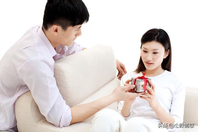 梦见老公出轨同时老公也梦见出轨_出轨的老公_女人出轨后老公不理她为了小孩不离婚但是还有话聊