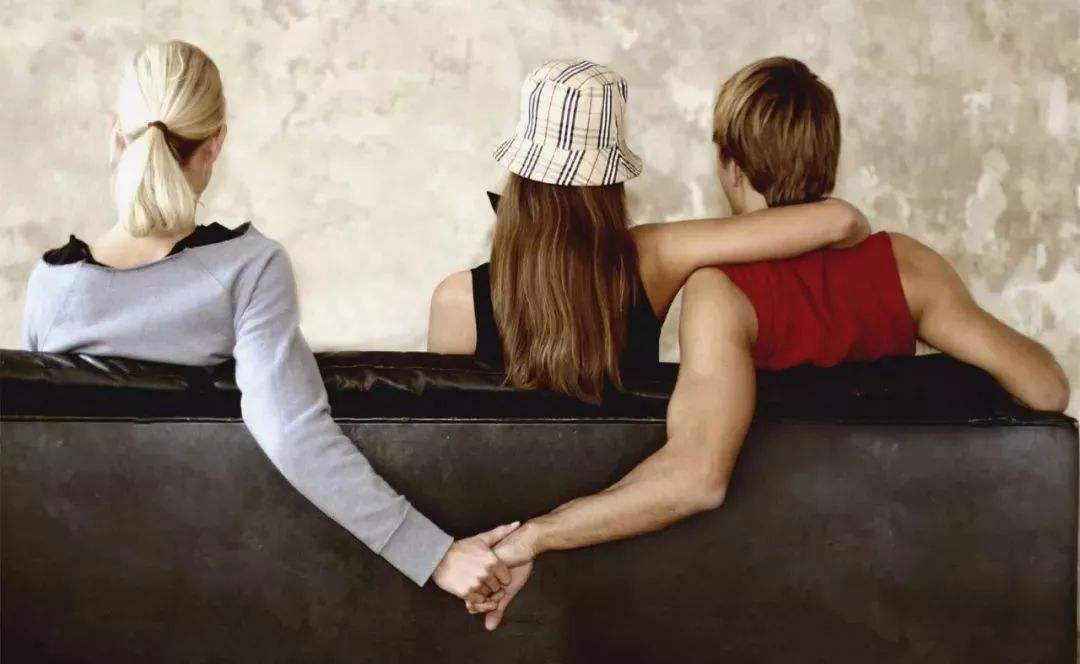 出轨老公离婚_老婆出轨老公不离婚怎么办_老婆出轨老公坚决离婚