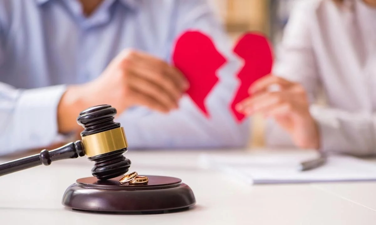 丈夫出轨离婚_出轨   离婚_女人出轨不离婚