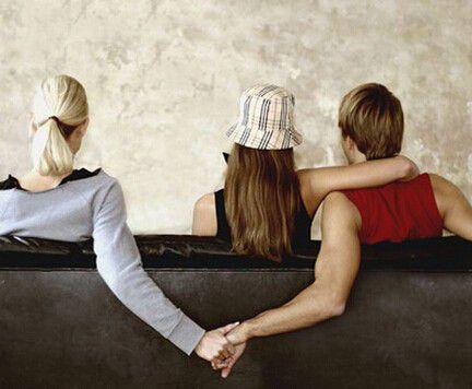 女人出轨老公不离婚_哪种出轨男人必须离婚_出轨离婚的男人